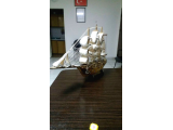 El yapımı ahşap gemi objesi